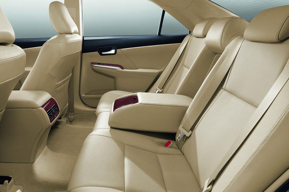 Toyota Camry 2012 - 12
