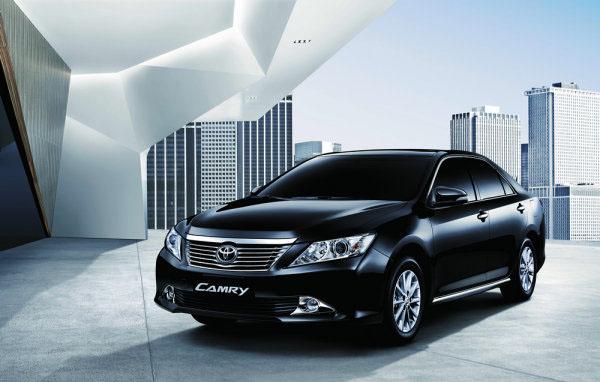 Toyota-Camry-2012-36