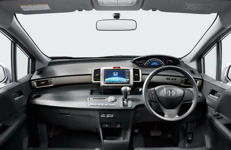 Honda Freed -6