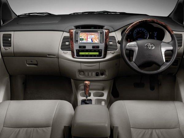 Toyota Innova-2