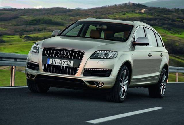 Audi Q7 2Audi Q7 21