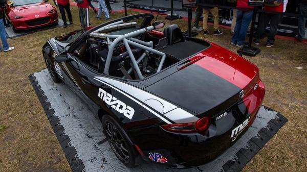 Mazda MX-5 Halfie
